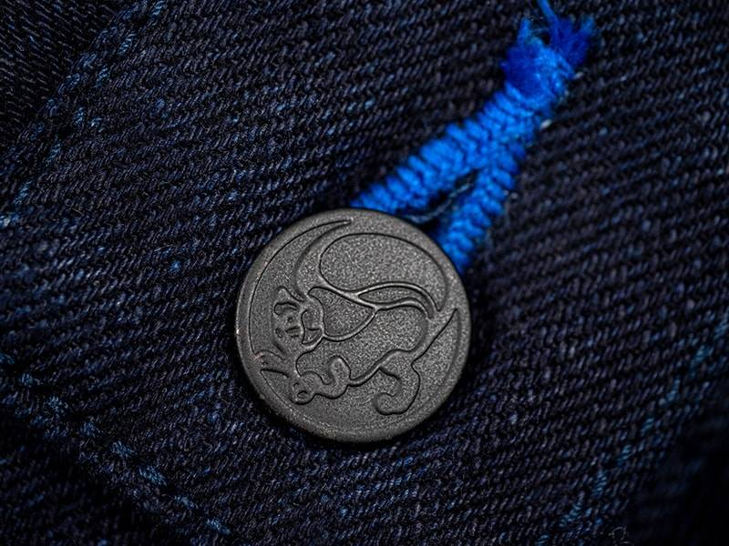 tanuki-jeans-indigo-copper-button