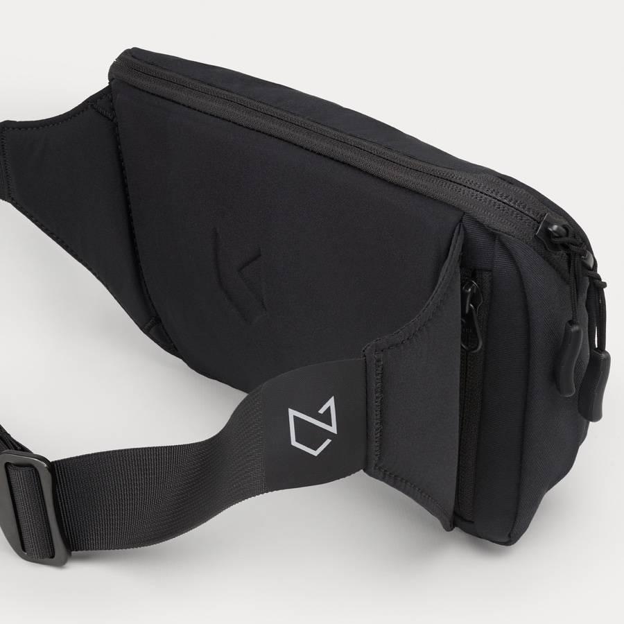 Minaal Crossbody Bag