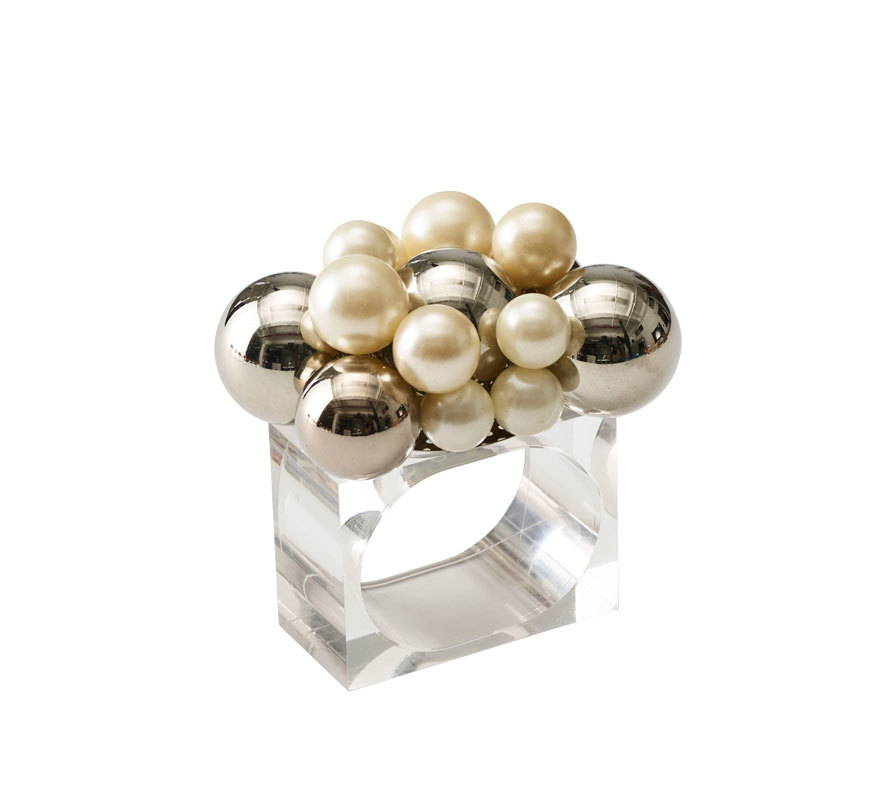 BAUBLE NAPKIN RING IN PEARL & SILVER
