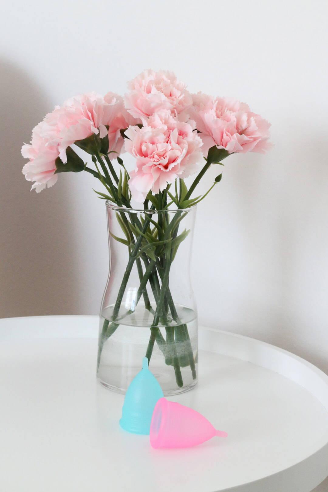 Mehr Nachhaltigkeit im Badezimmer mit der Menstruationstasse | Five Skincare