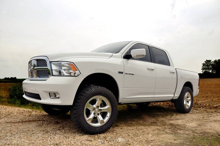 white lifted dodge truck