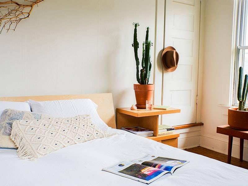 Floyd bed in airbnb portland oregon.