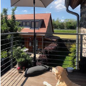 Baser Balkonschirmständer Balkon Geländer Schatten Hund