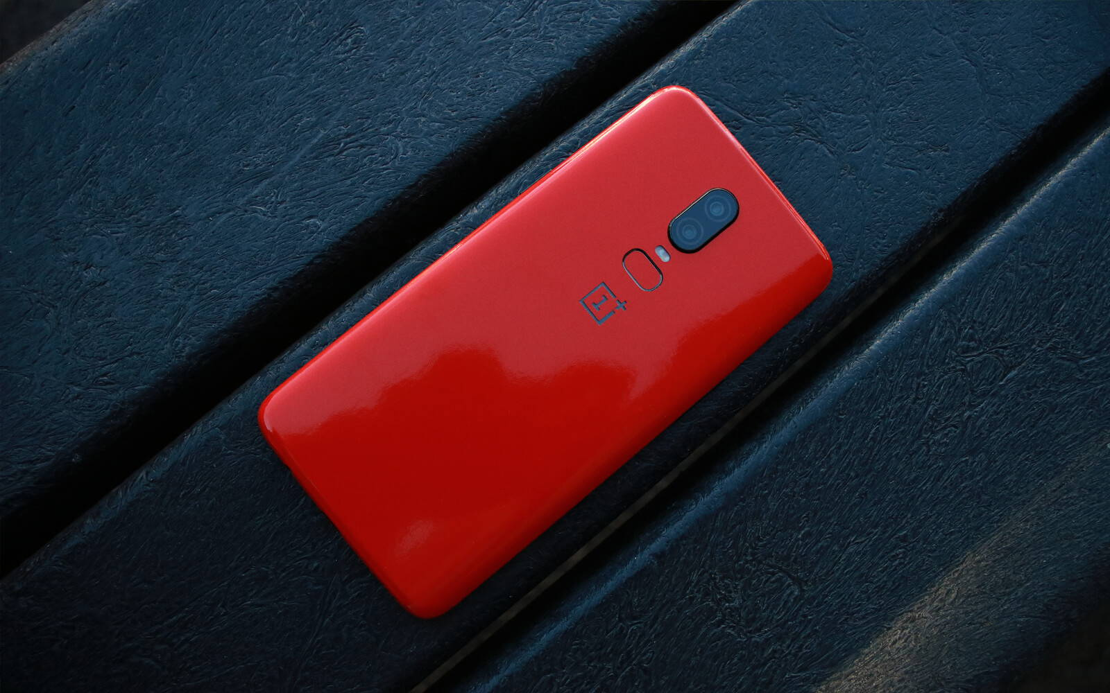 OnePlus 6 Dragon Red Gloss Skins