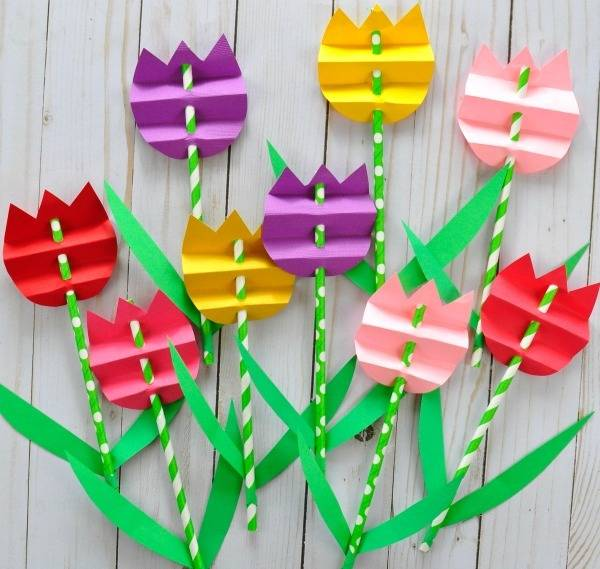 DIY PAPER STRAW TULIP CRAFT | August Book Week Special | CreativKits Subscribe, Buy or Gift today!