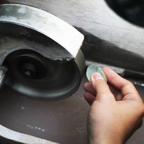 Stone cutting/polishing image