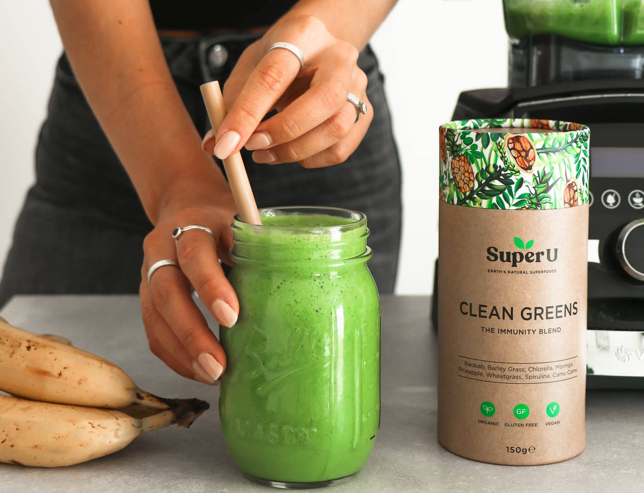 Clean greens healthy superfood drink with wheatgrass and barley grass, gluten free and organic