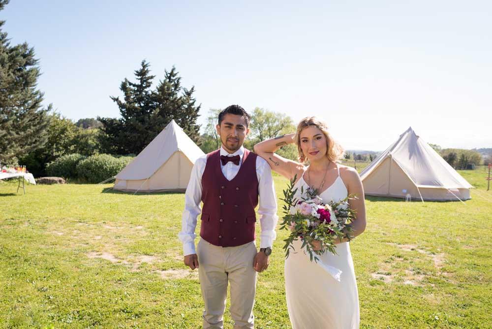 location de tentes pourdormir sur le lieu de récéption du mariage