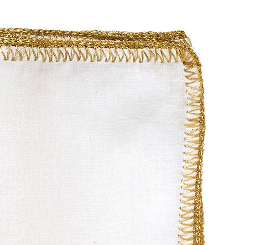 CROCHET EDGE NAPKIN IN WHITE & GOLD