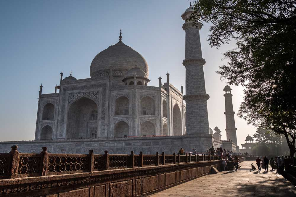 Travelbay India Tours - Customer Reviews - Simon & Gina in India - Taj Mahal