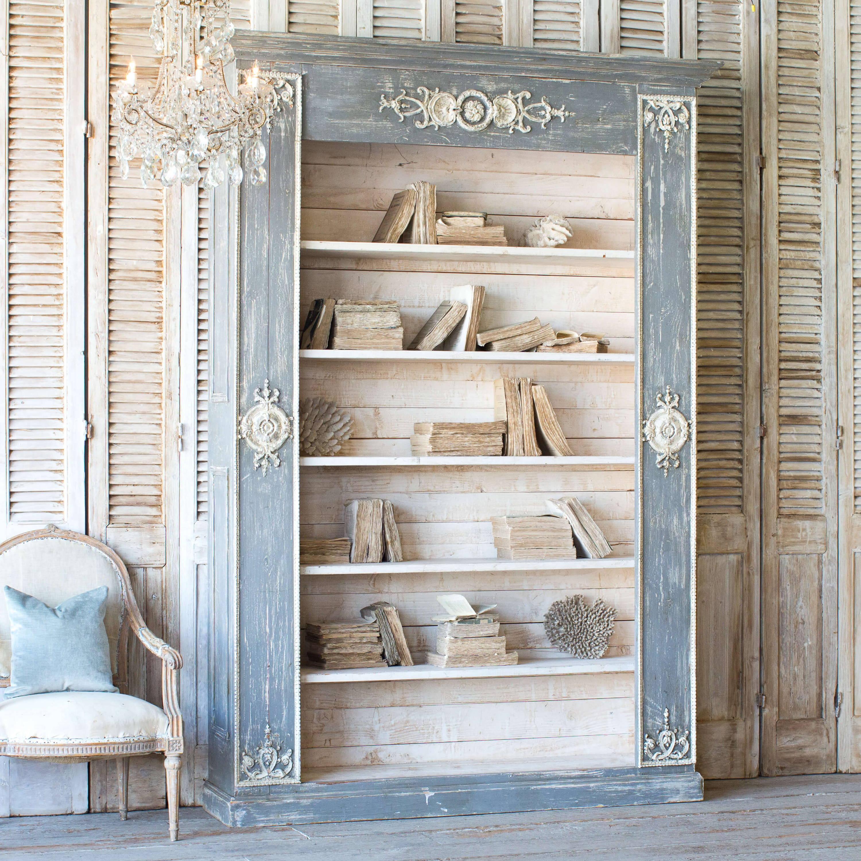 Cupboards & Display Pieces