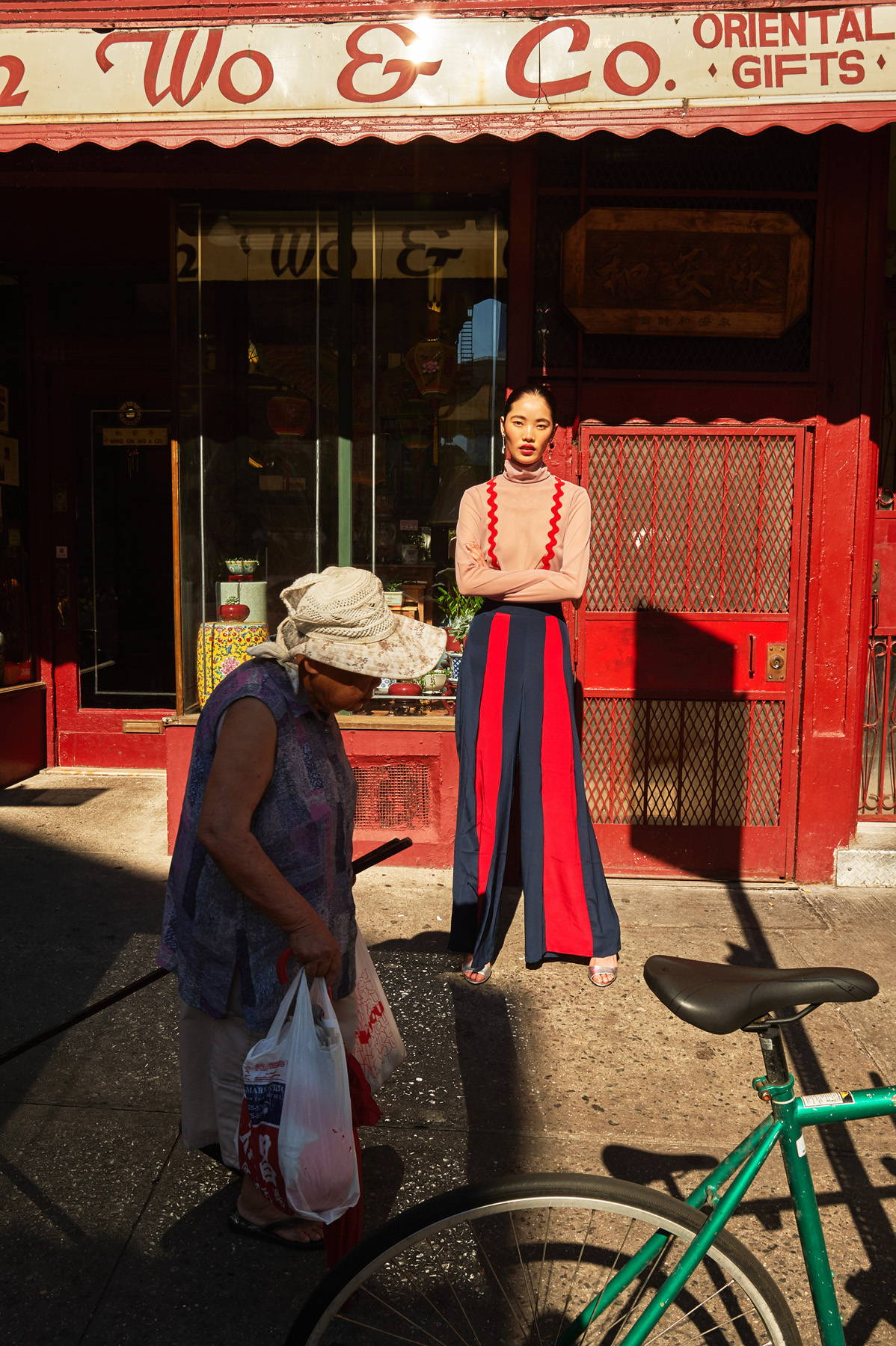 Flying Solo Independent Designers Elena Rudenko Outfit New York City L'Officiel Austrailia Photoshoot editorial Street Style China Town