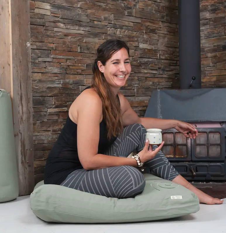 rebeca-yoga-teacher-studio