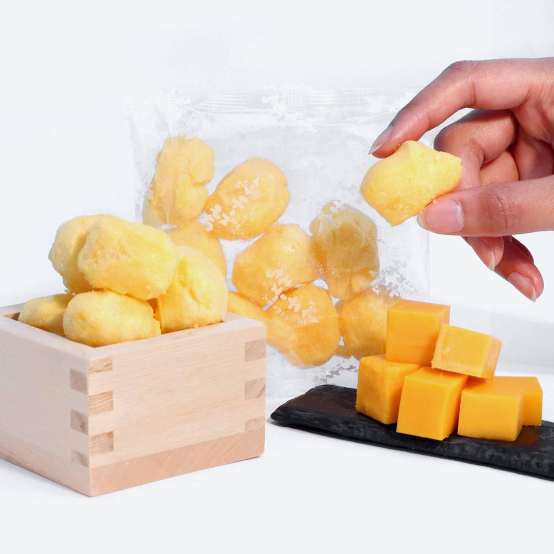 Funwari Meijin Mochi Puffs: Hokkaido Cheese
