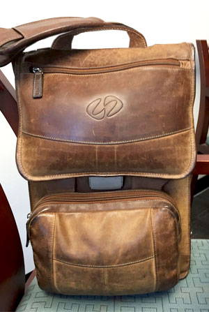 well worn vintage brown maccase leather ipad pro shoulder bag