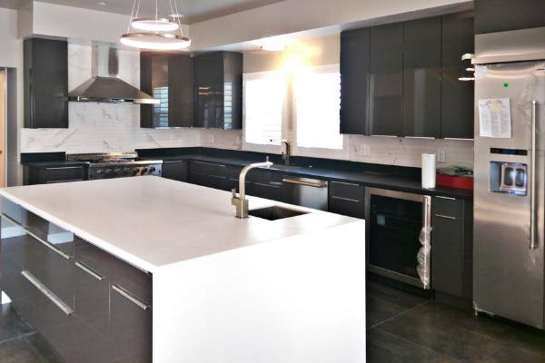 European Kitchen Cabinets - Thermofoil - Chic Charcoal
