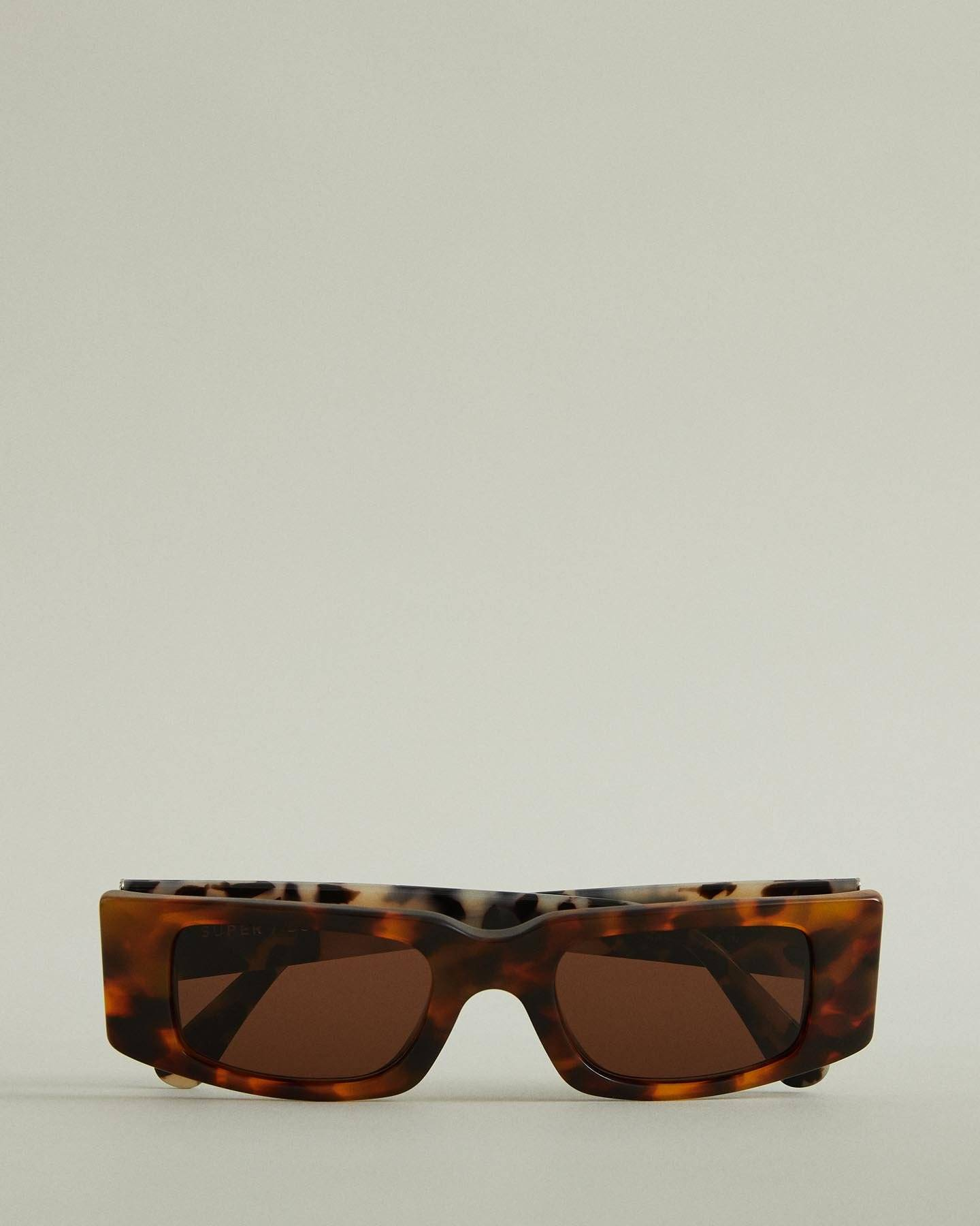 /products/omy-square-sunglasses