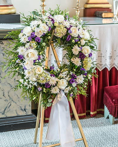 Choosing The Right Flowers For A Memorial Service Funeral Service