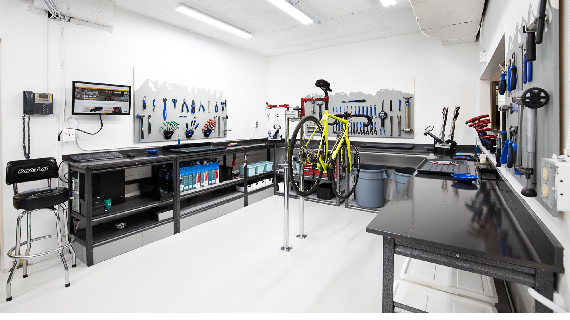Broadway Bicycle Service Centre - Road Bike - BICICLETTA