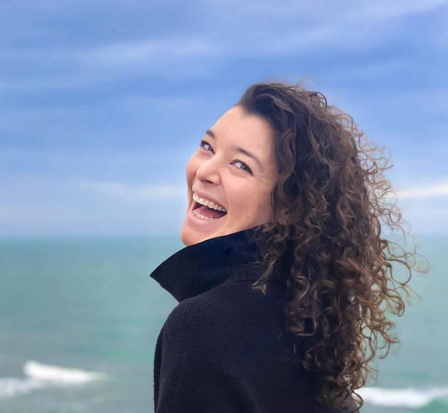 Aurora Bowkett yoga teacher - review for the DIYogi yoga mat