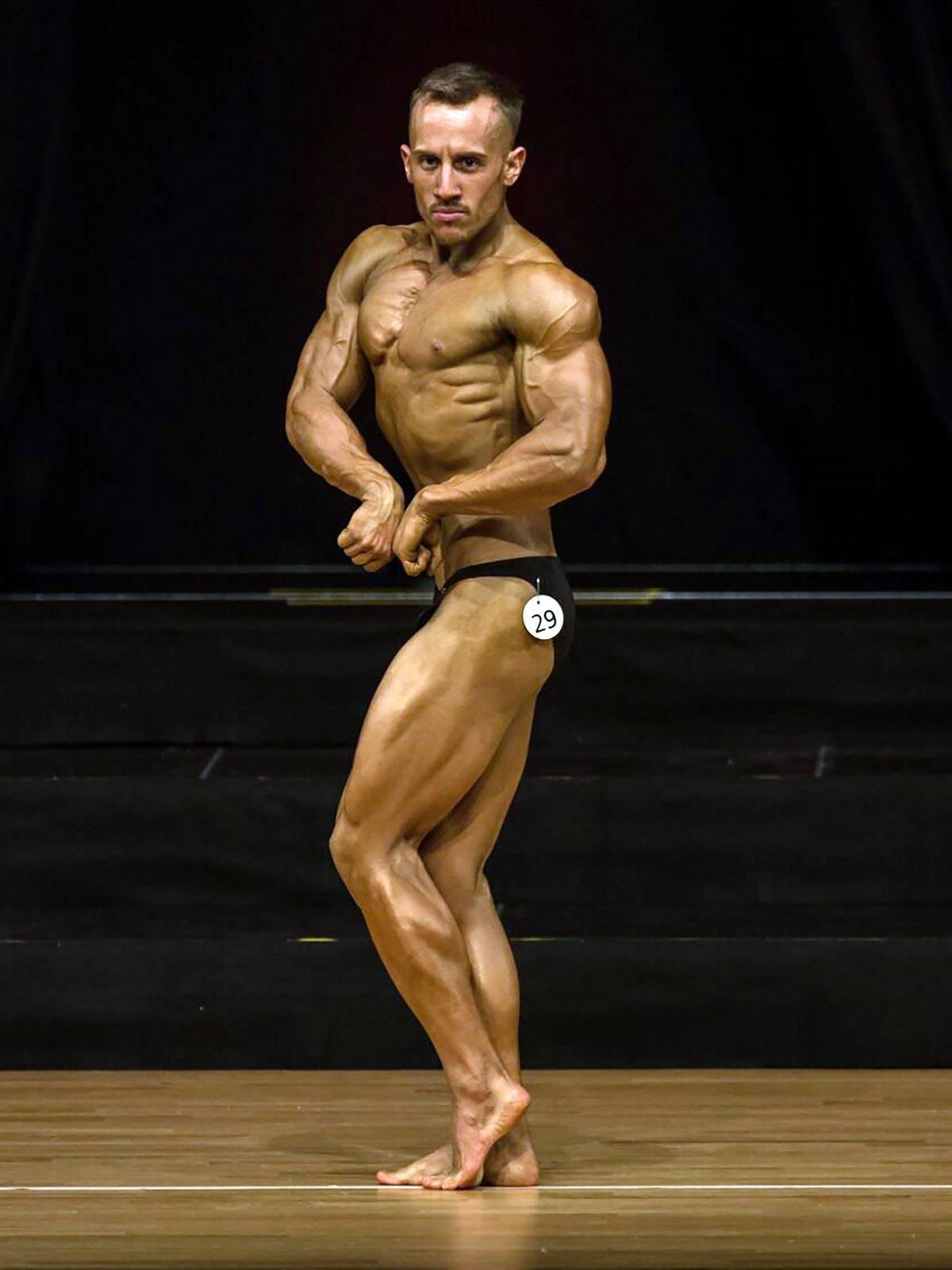 semper fi body concept Natural Bodybuilding Wettkampf Coaching Athlet Nicolà Caviezel