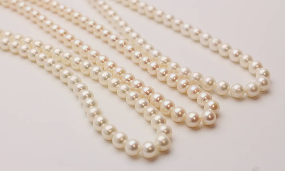 White Color Uneven Shape 9-10 mm Size Beautiful Freshwater Pearls