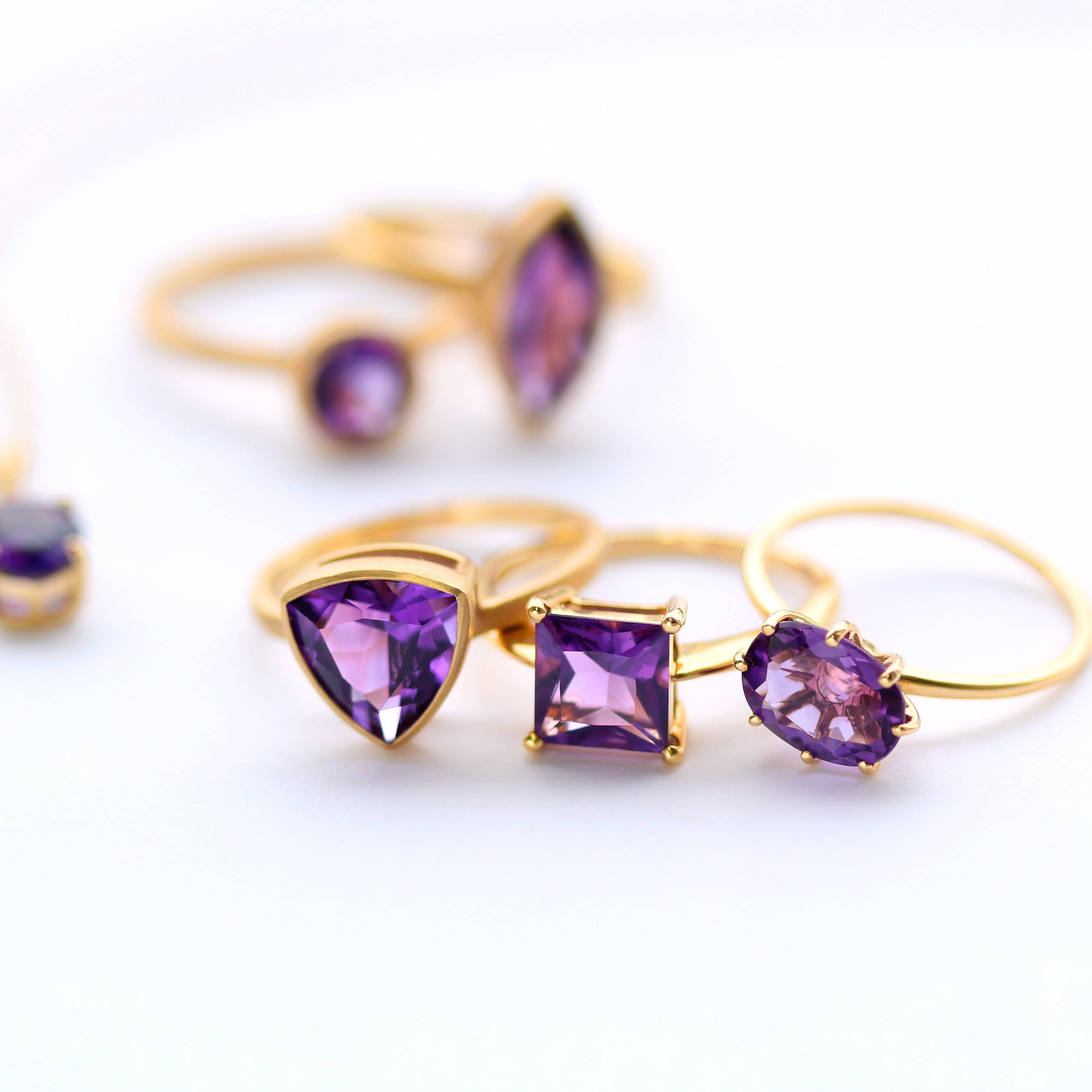 紫色・パープルの宝石 集合