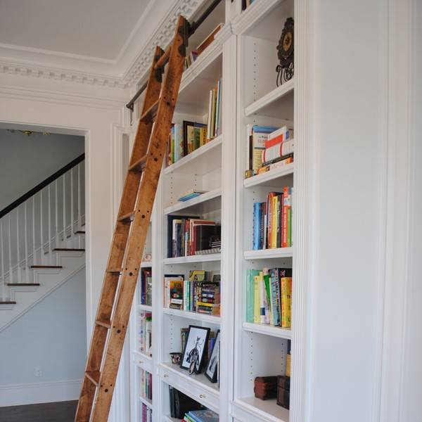 Bookcase ladder with hook over
