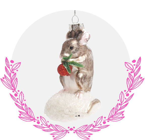 Mouse with berries Christmas decoration