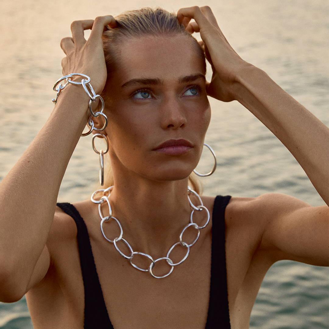 Shop sølvbelagte smykker her
