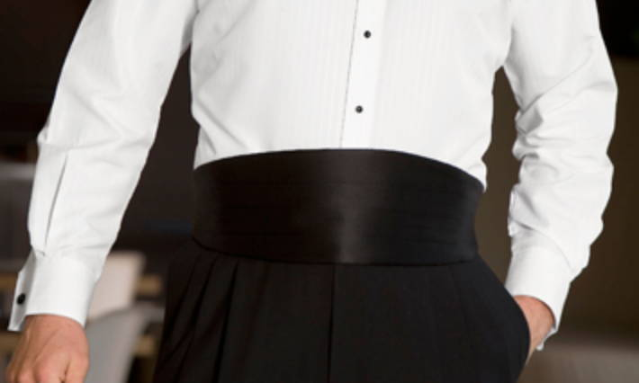 how to wear a cummerbund