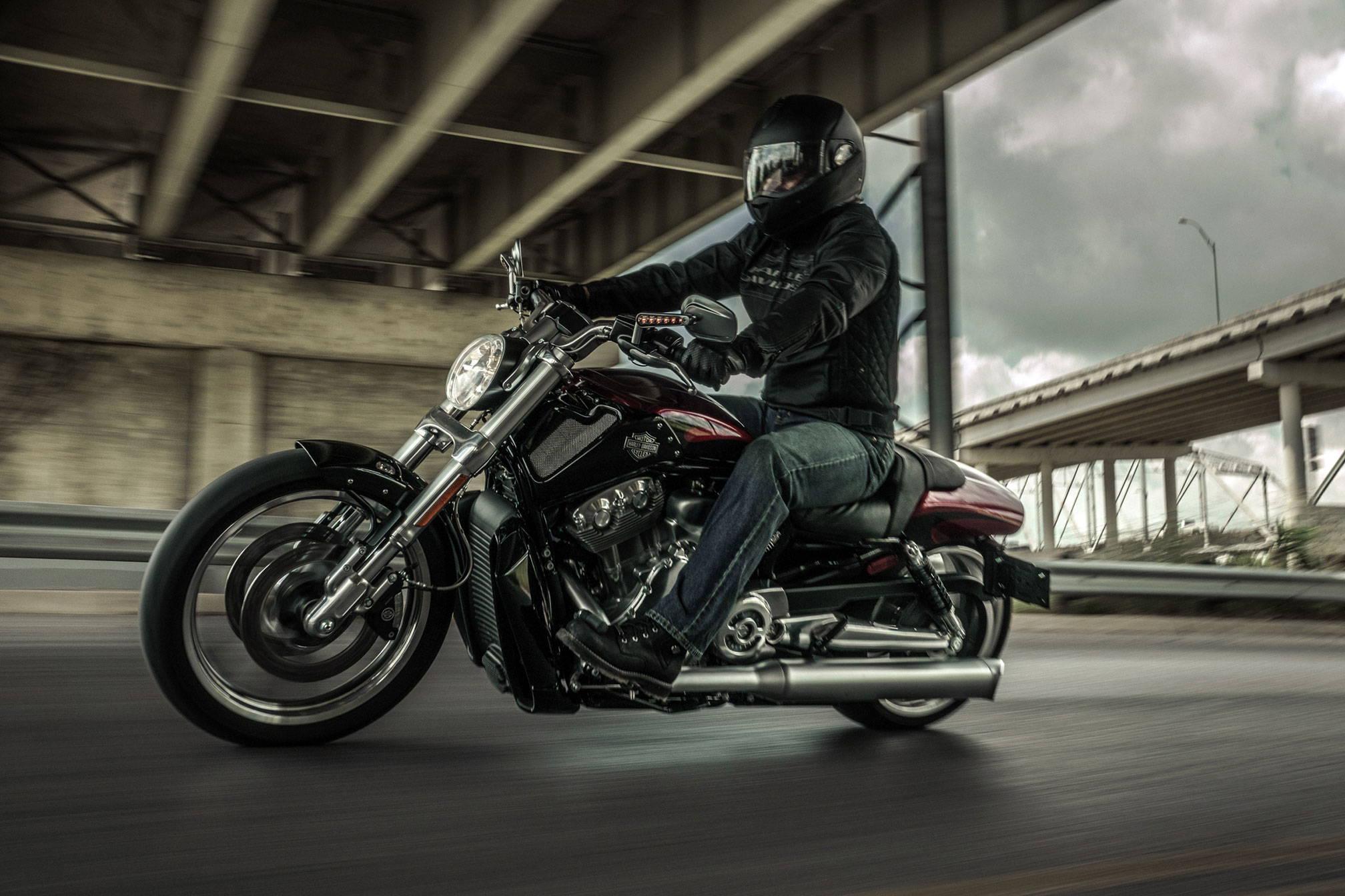 Harley Davidson V-Rod: A Vaporizer Guide at DopeBoo.com