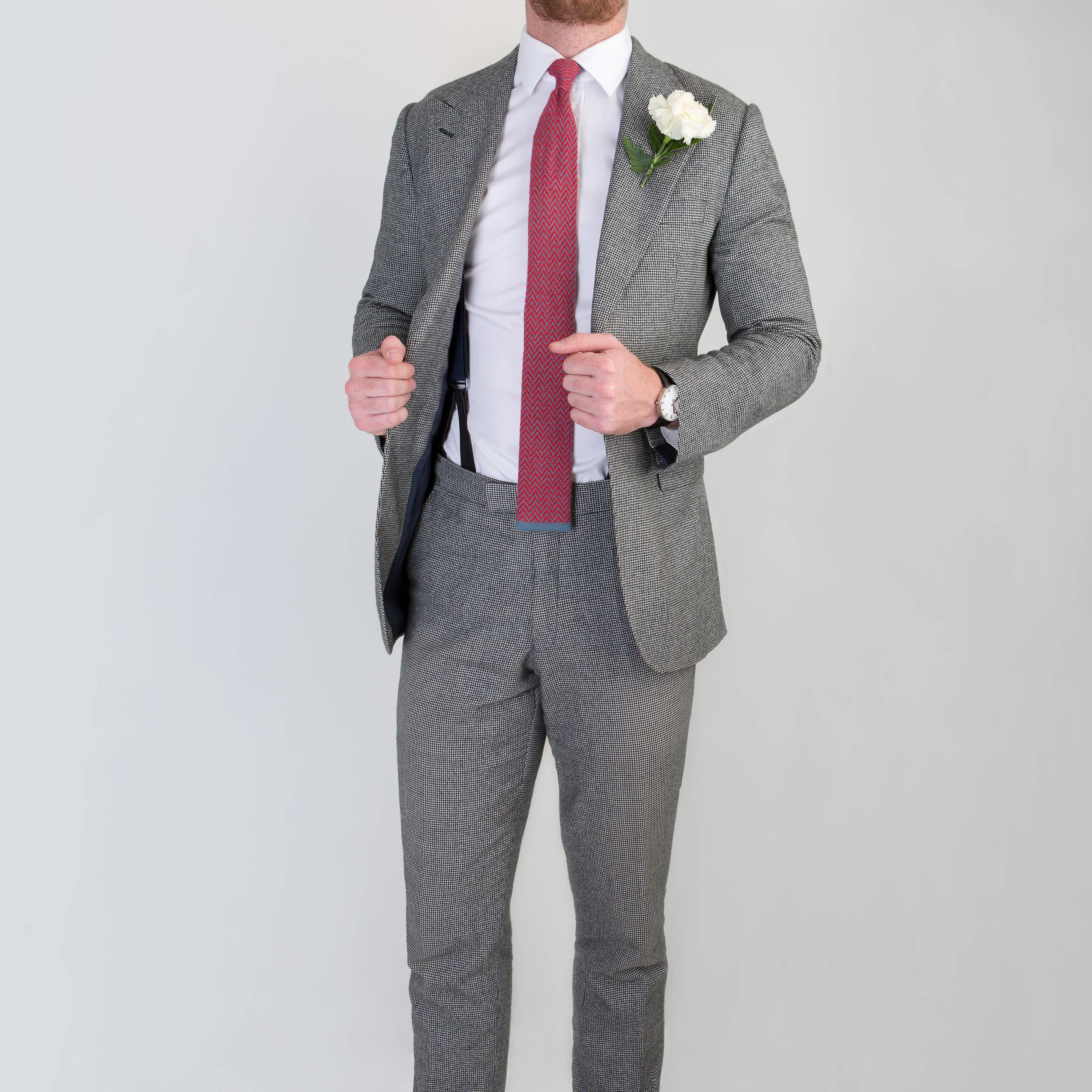 Gentleman wearing single breasted wedding suit by bespoke tailors Mullen and Mullen