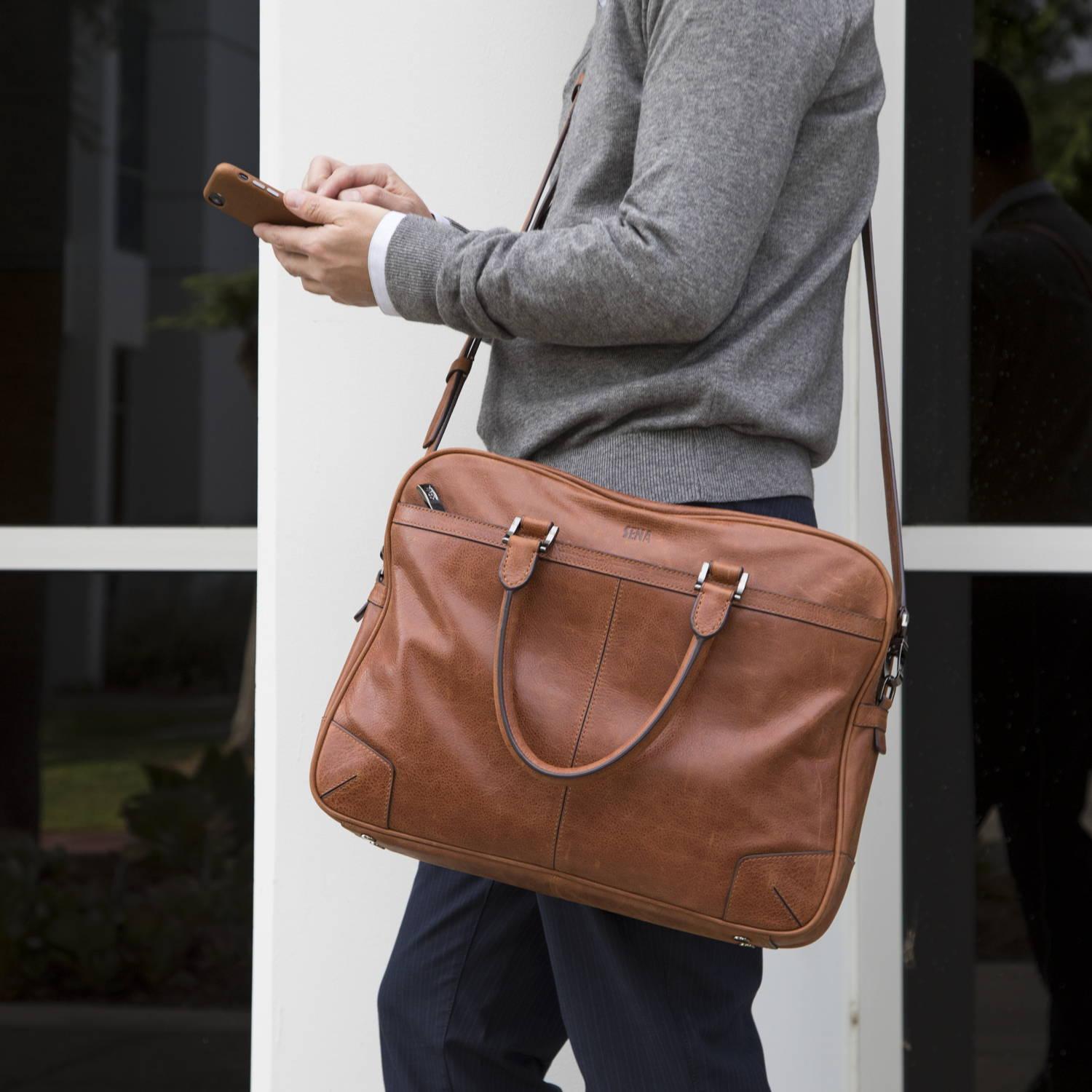 Sena Cases Cognac Messenger Bag | Sena Cases