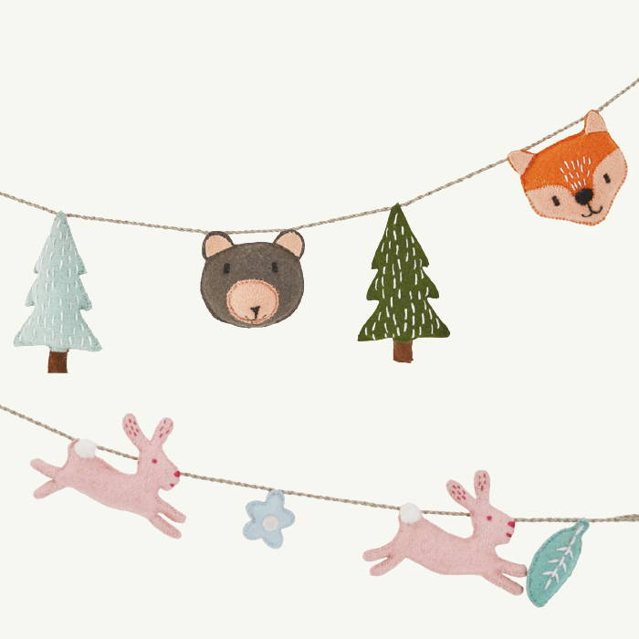 Felt wall garlands with woodland animals