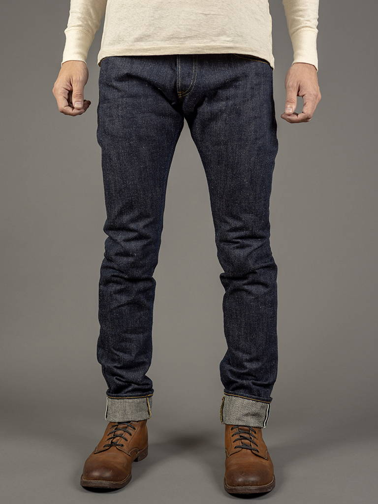 EARTH TAPERED JEANS