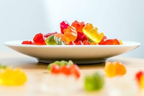 Gummibärchen ohne Zucker sind ein relativ kalorienarmes Lebensmittel