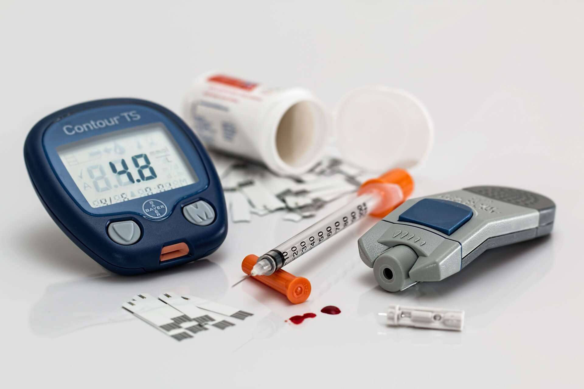 blood sugar monitor and accessories
