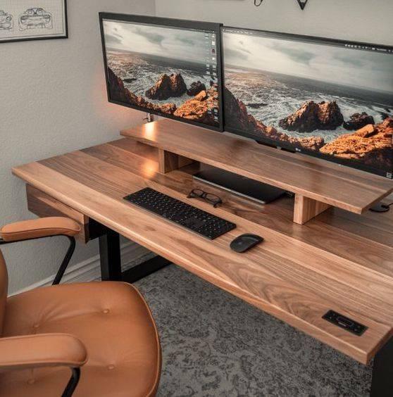 The walnut sway desk