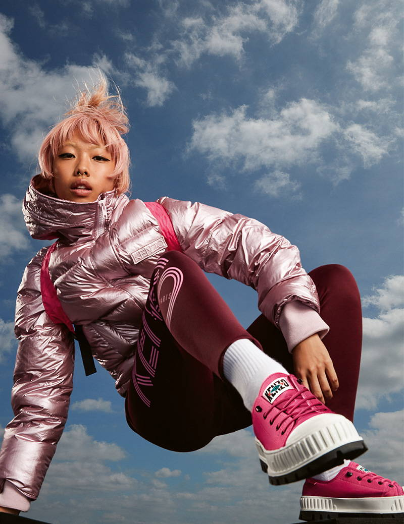 Image of movement artist wearing the low Palladium by Kenzo in Pink