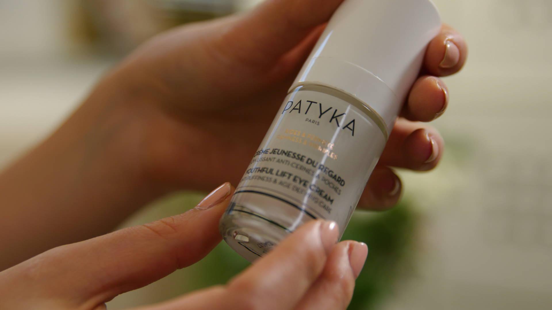 Crème Jeunesse du Regard de Patyka : contour des yeux lissant anti-cernes et anti-poches