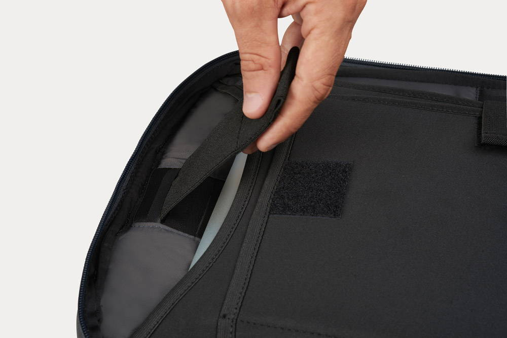 Minaal Daily Bag - Laptop security built in