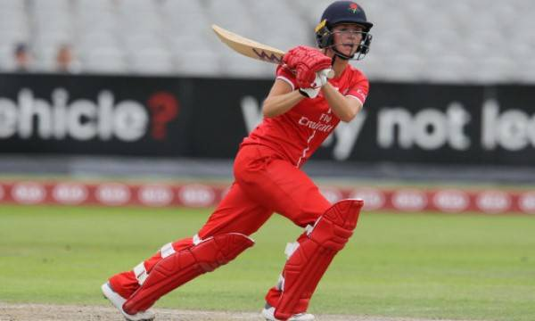 Evelyn Jones is a Semi-Professional Sportswoman & Cricket Coach for Lancashire CCC & Lancashire Thunder