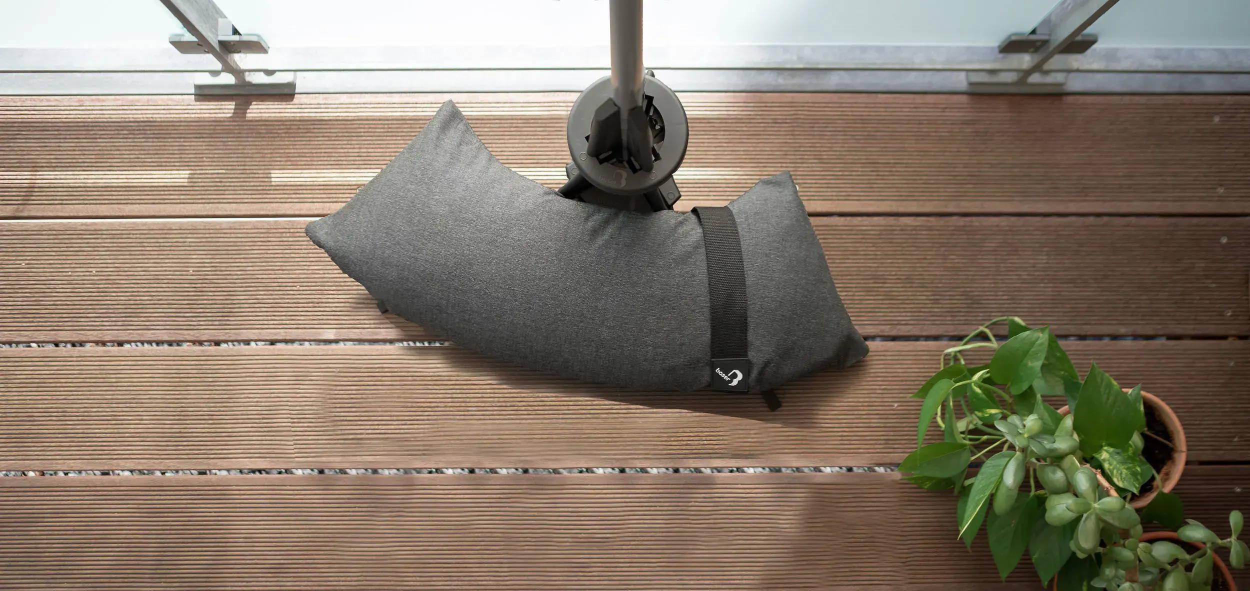 Altan parasolfod fra Baser