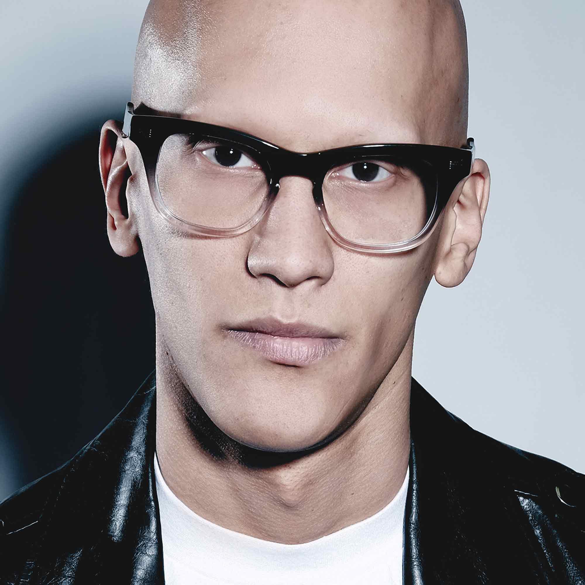 Male model wearing joiuss oscar black glasses