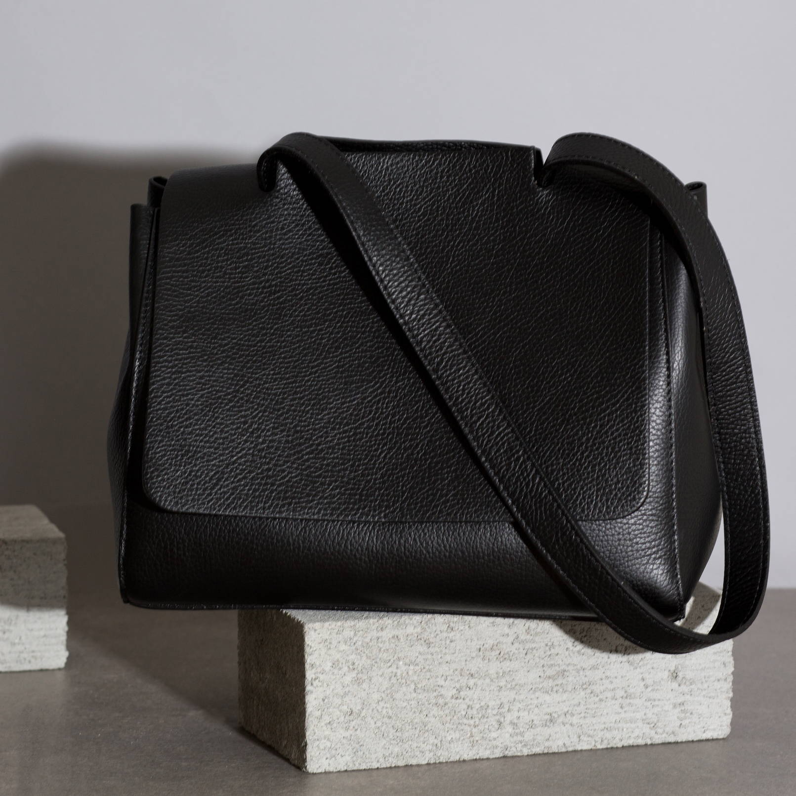 VESTIRSI leather handbag handmade in Italy KATIE travel bag work office handbag pebbled leather