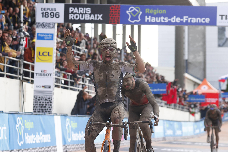 Sonny Colbrelli winning Paris Roubaix 2021 wearing Rudy Project Cutline sunglasses & Nytron aero helmet