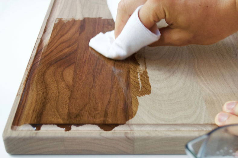 rubbing oil into cutting board with a non pilling cloth