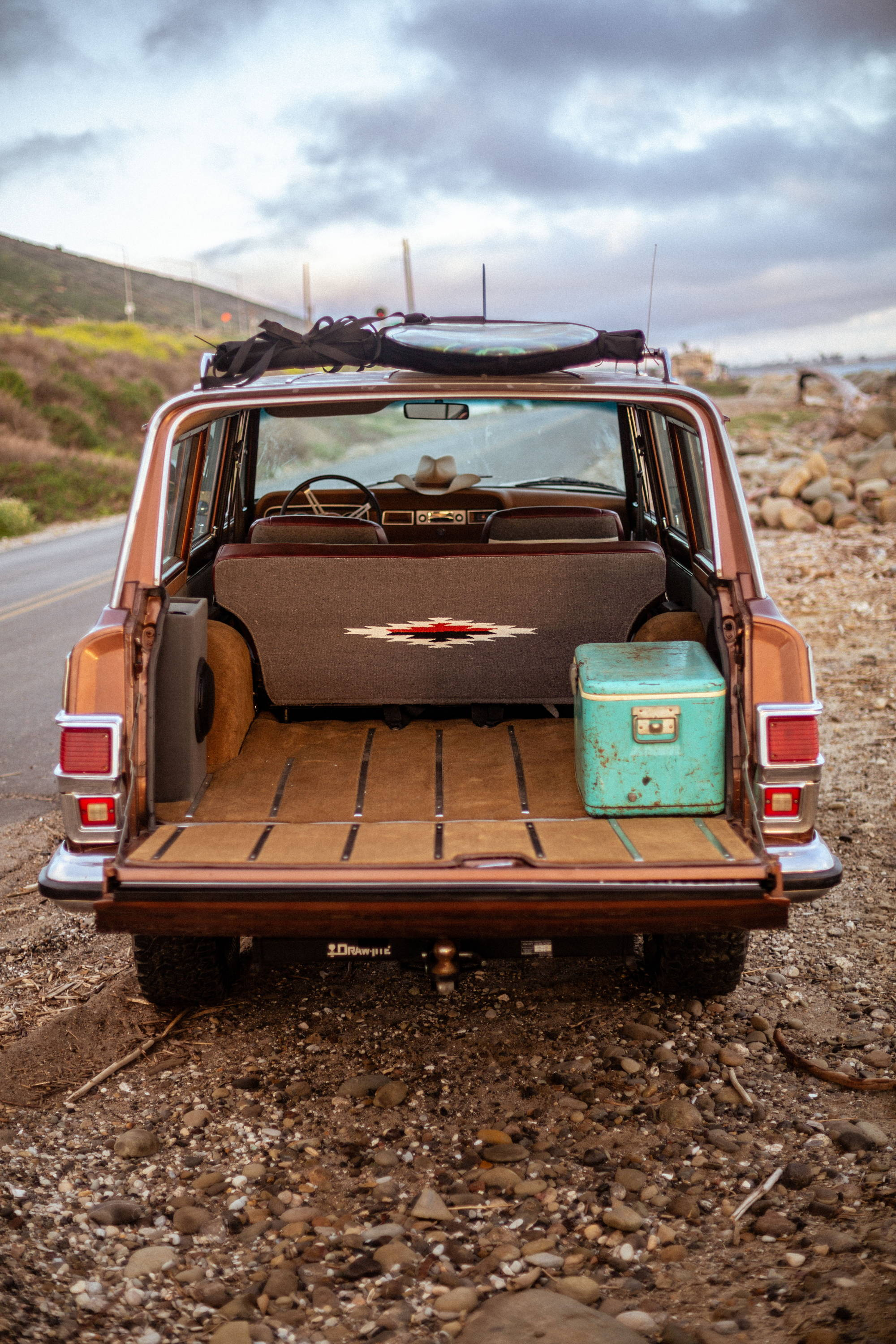 New Legend 4x4 x Iron & Resin 1978 Jeep Wagoneer Tailgate