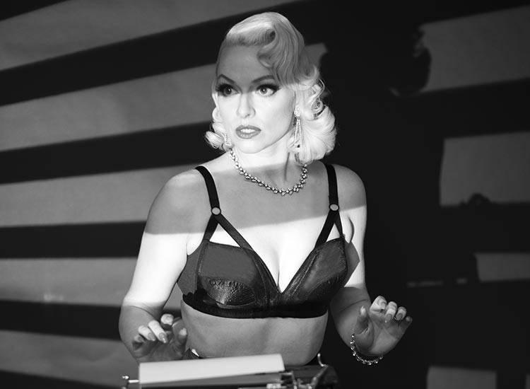 1940s film noir vintage lingerie